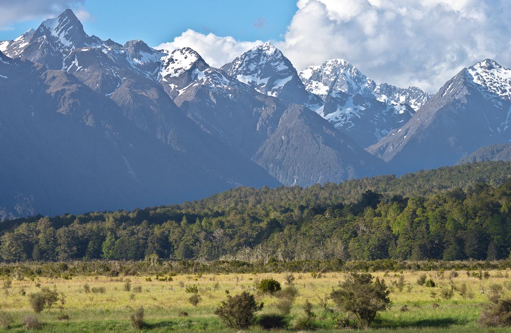 Earl Mountains from Milford Road, Fiordland, New Zealand