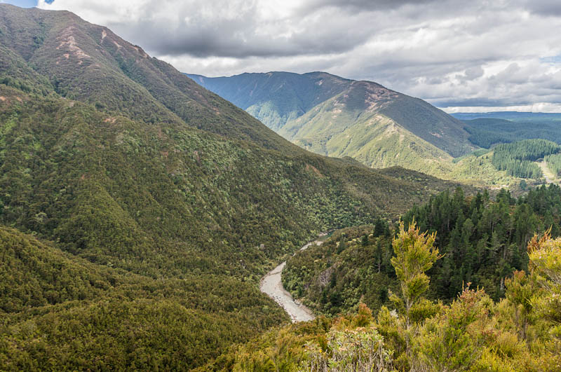 Kaweka Ranges and Ngaruroro River, New Zealand