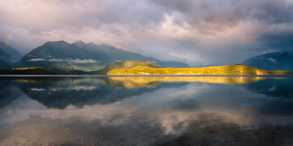 Sunrise, Lake Manapouri, Fiordland, New Zealand